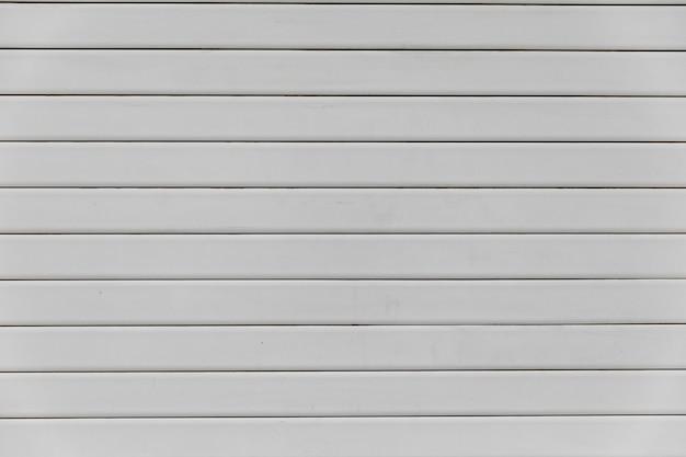 Biały zamknięty sklep z bliska