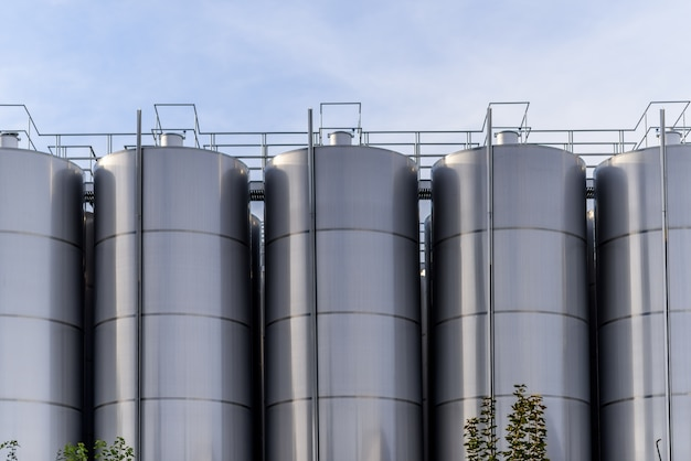Big beczki metalowe fabryki wina
