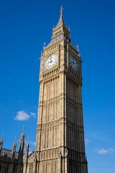 Big ben i izba parlamentu w londynie anglia, wielka brytania
