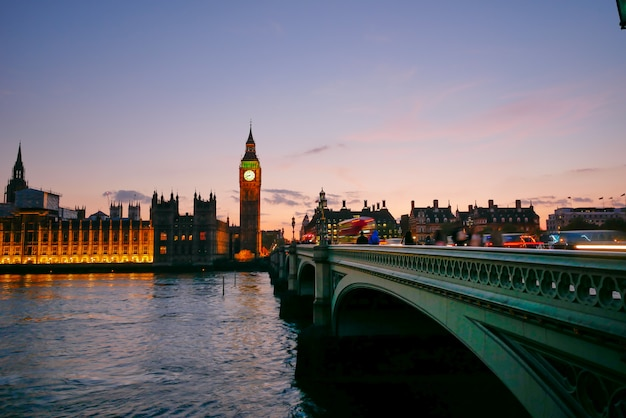 Big ben i opactwo westminster w londynie, anglia