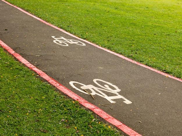 Bike lane znaki na ulicach ziemi