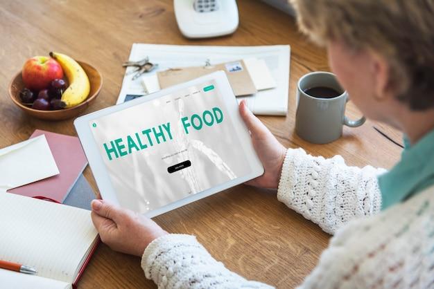 Bilans dieta fitness zdrowa żywność życie koncepcja