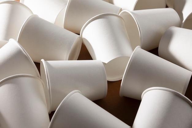 Bio kartonowe kubki papierowe z wysokim widokiem