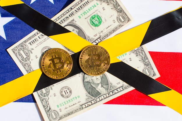 Bitcoin i dolary na amerykańskiej fladze
