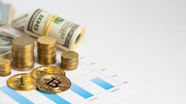 Bitcoin w przestrzeni kopii na górze wykresu