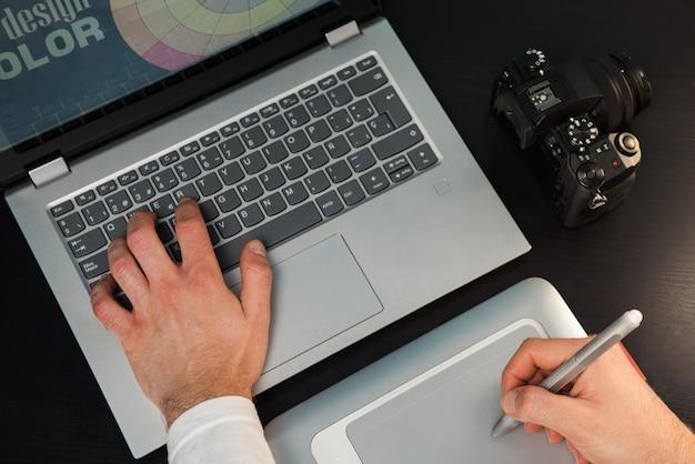 Biurko projektanta graficznego