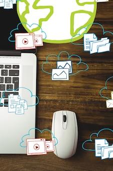 Biurko z myszy i laptopa