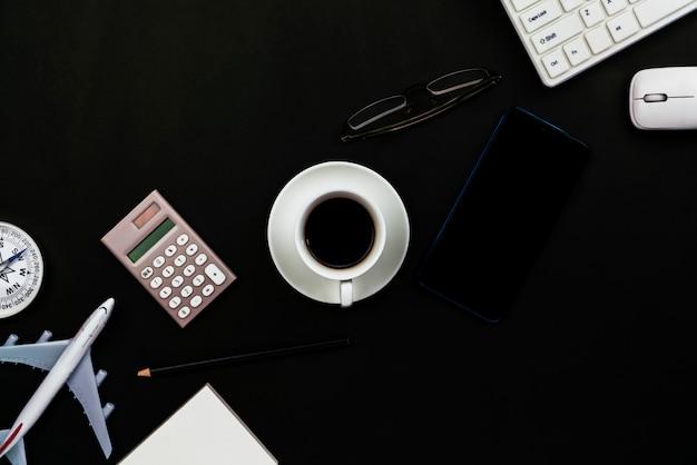 Biuro biurko stół biznesowy miejsce pracy i biznesowi przedmioty