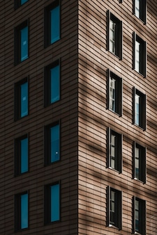 Biurowe wieżowce ze szklaną fasadą