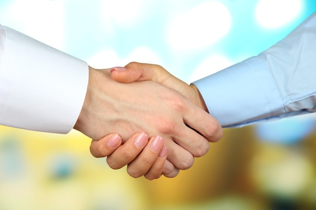 Biznes uścisk dłoni zbliżenie