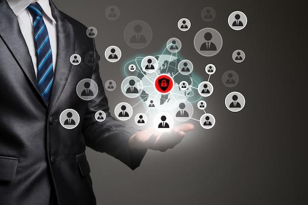 Biznesmen aplikacji ludzkiego biznesu cyfrowego