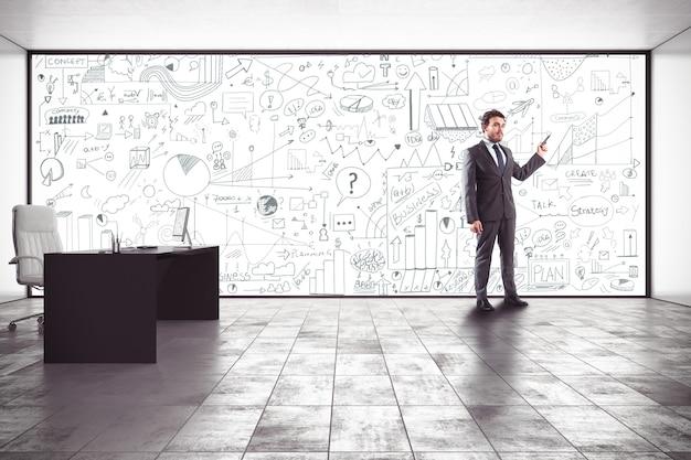 Biznesmen dokonywania prezentacji w swoim biurze