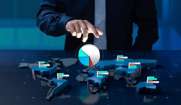 Biznesmen dotknąć udział w rynku ikona na ekranie mapy świata