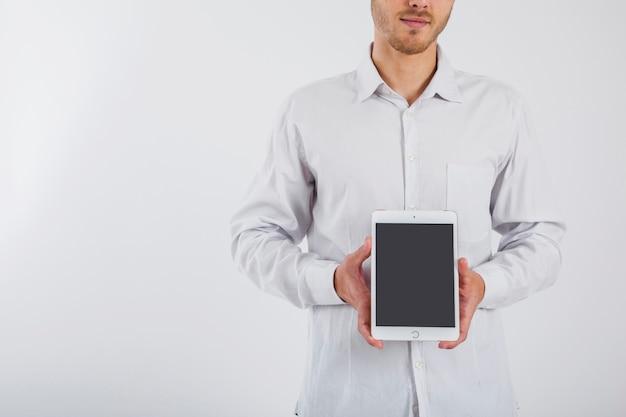 Biznesmen gospodarstwa tablet