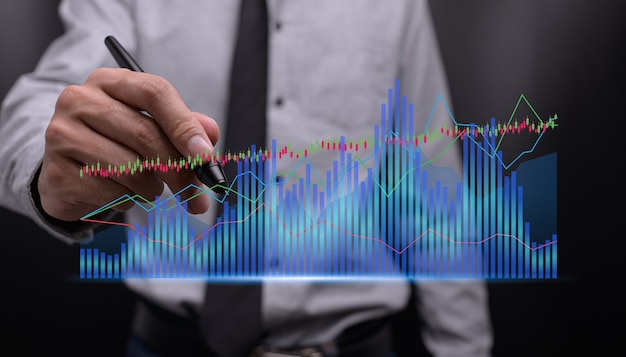 Biznesmen inwestujący w akcje wyświetla hologram wykres ilustracja wzrostu biznesu