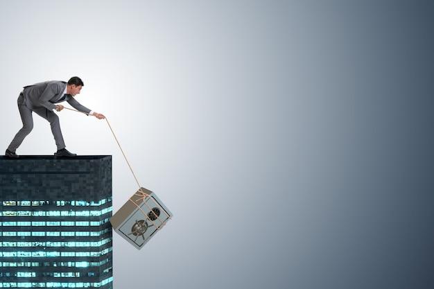 Biznesmen kraść sejf od budynku