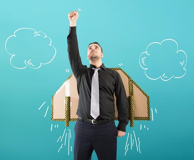 Biznesmen leci z szybką rakietą. pojęcie ambicji i determinacji.