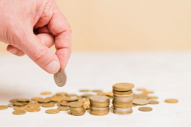 Biznesmen obliczania pieniędzy