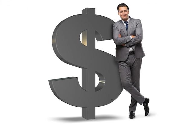 Biznesmen obok dolarowego znaka odizolowywającego na bielu