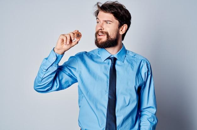 Biznesmen pracy kierownik biura inwestycja kryptowaluty