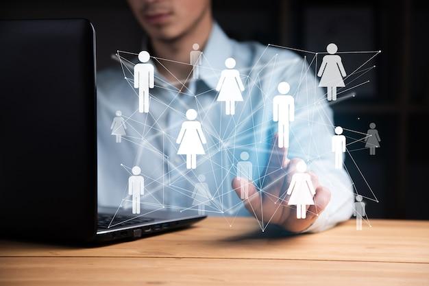 Biznesmen ręka pracuje z nowoczesną technologią, koncepcja strategii biznesowej