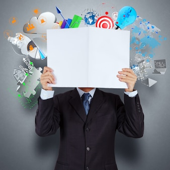 Biznesmen ręki przedstawienia książka sukcesu biznes