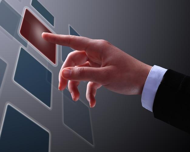 Biznesmen robi gest