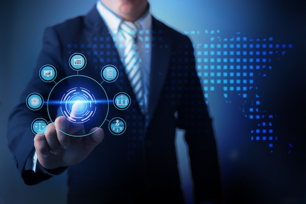 Biznesmen używa rzeczywistość wirtualną dotyka globalnego biznes i analizuje dane finansowy biznes z ekonomicznym cyfrowym wykresem.
