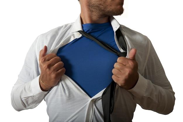 Biznesmen zachowuje się jak superbohater