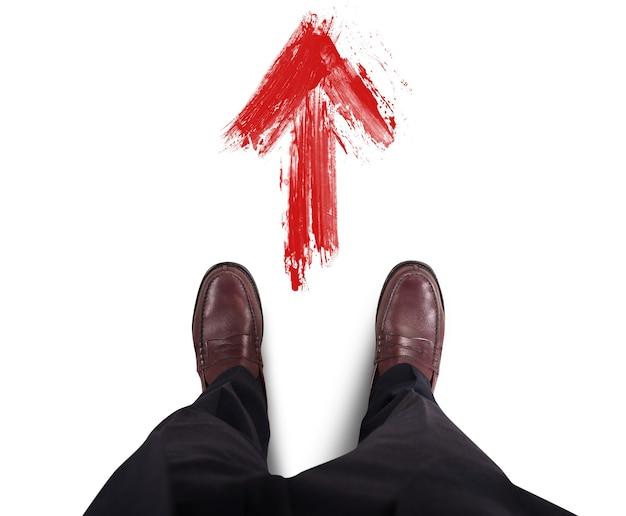 Biznesmen znajdź i wybierz drogę do sukcesu