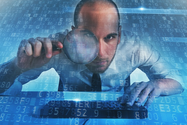 Biznesmen znalazł nielegalny dostęp do backdoora na komputerze
