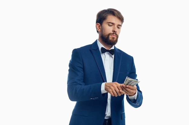 Biznesmeni pieniądze w dłoni studio emocje