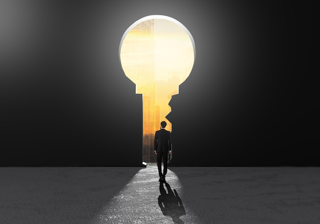 Biznesmeni sukcesu chodzą do kluczowych dziur sukcesu, aby pomyśleć o strategii