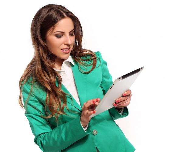 Biznesowa kobieta w zielonym kostiumu