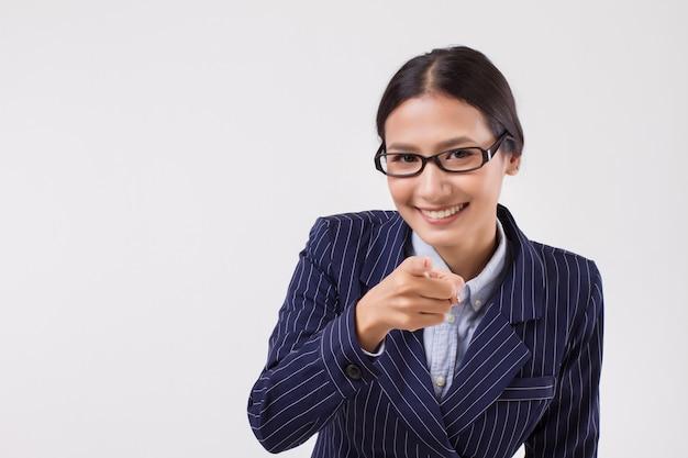 Biznesowa kobieta, wskazując na ciebie