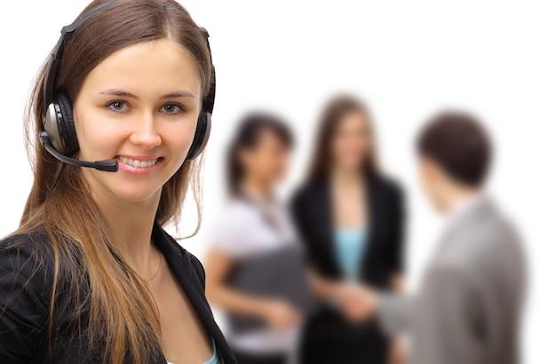 Biznesowa kobieta z zestawem słuchawkowym