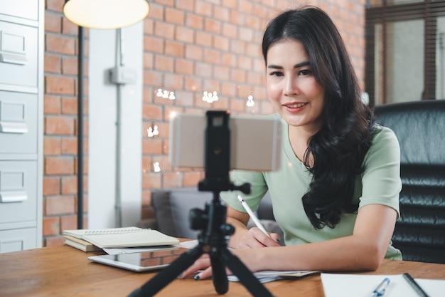 Biznesowa koncepcja pracy w domu