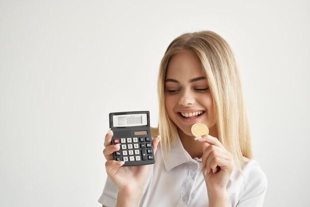 Bizneswoman handel internet finanse inwestycje na białym tle
