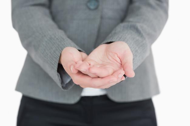 Bizneswoman trzyma out ręki