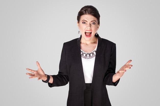 Bizneswoman wściekłość złość i krzyk