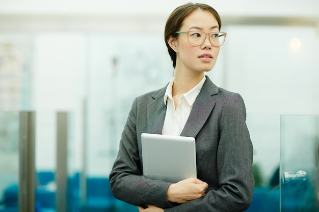 Bizneswoman z pastylką
