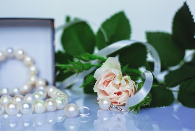 Biżuteria damska bransoletka naszyjnik kolczyk