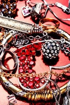 Biżuteria i biżuteria.