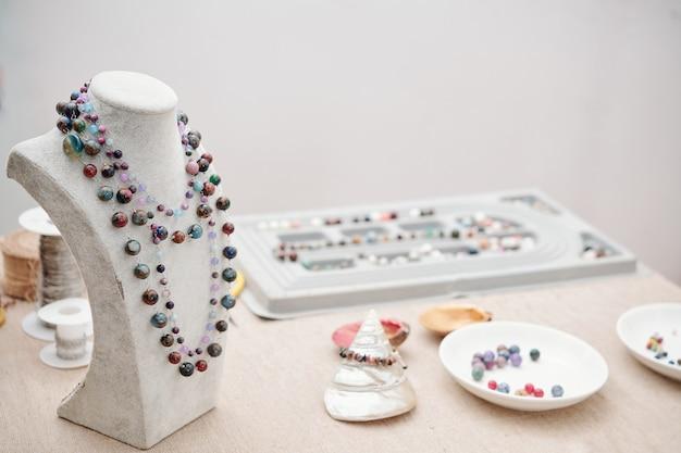 Biżuteria z kamienia naturalnego