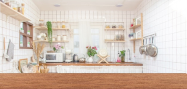 Blat z drewna na rozmycie tła w kuchni.