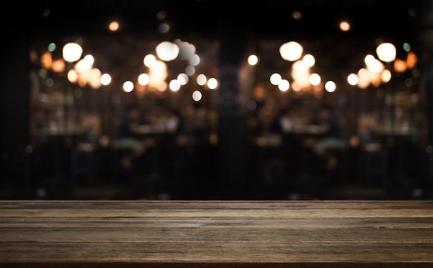 Blat z drewna w kawiarni lub sklepie kuchennym