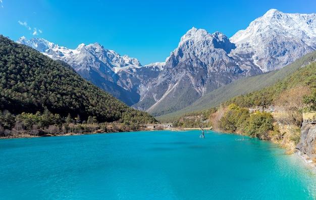 Błękitna księżyc dolina, biała woda rzeka, lijiang, chiny