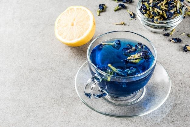 Błękitna motyliego grochu kwiatu herbata
