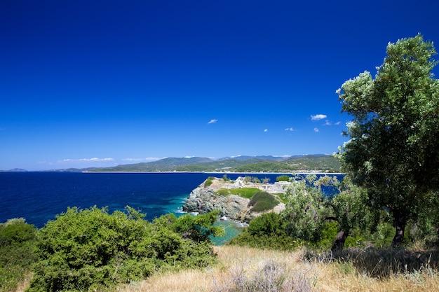 Błękitne morze w grecji