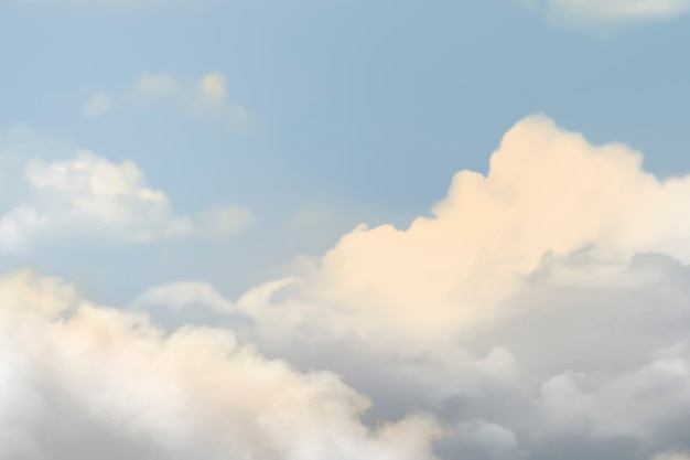 Błękitne niebo z chmurami w tle